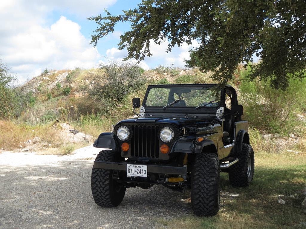 1-jeep renegade-flickr-zombieite