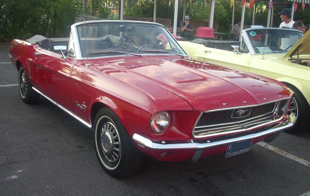 '68_Ford_Mustang_Convertible_(Orange_Julep)